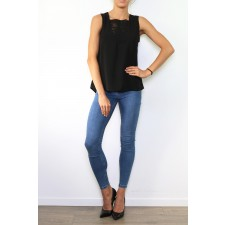 Top avec encolure brodée, 100% polyester, **taille S - 12B07